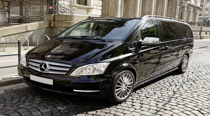 minivan airport transfers