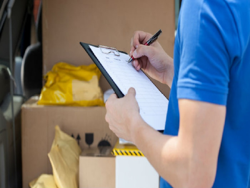 urgent and same day courier in gatwick airport and crawley